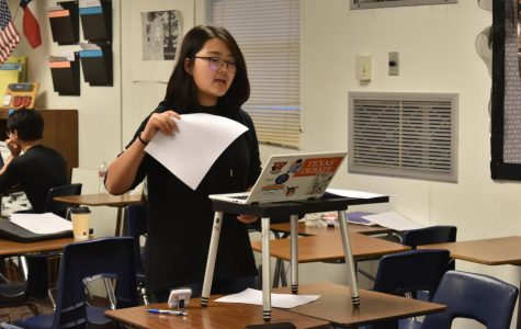 Freshman Debaters Compete at In House Tournament