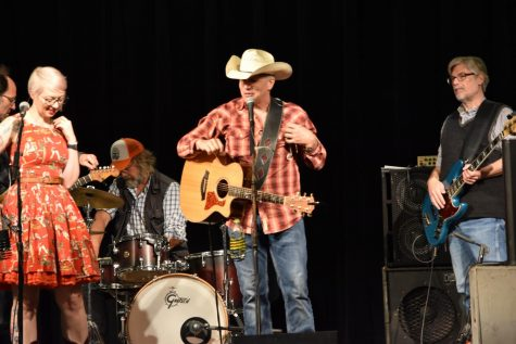 IB Community Hosts Live Music Dance Hall