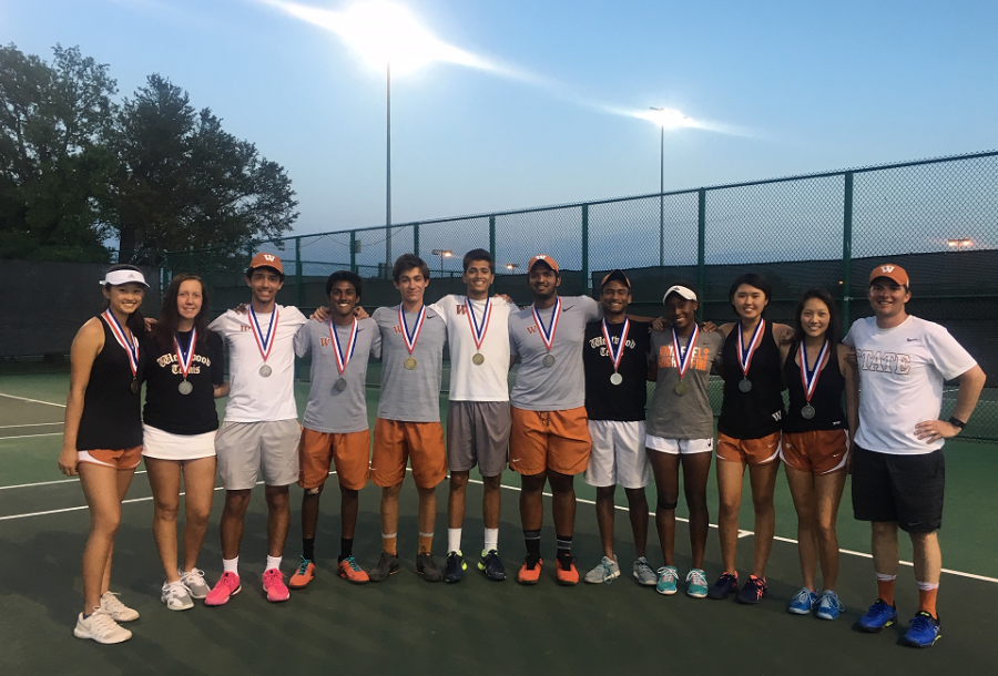The Regional qualifiers pose with their medals. Photo Courtesy of Coach Travis Dalrymple