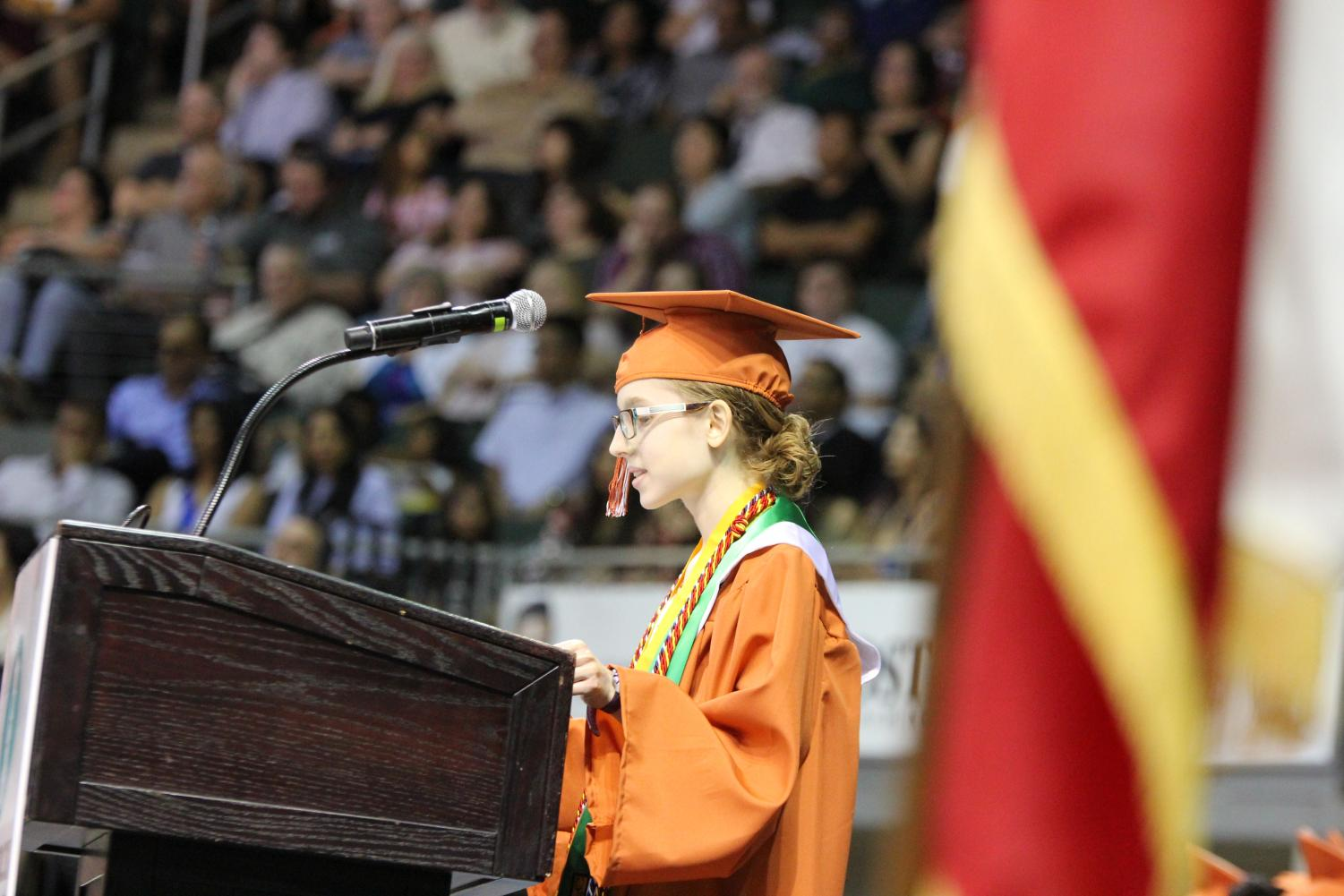 Valedictorian+Straley+Webb+%2719+delivers+her+speech+to+the+audience.
