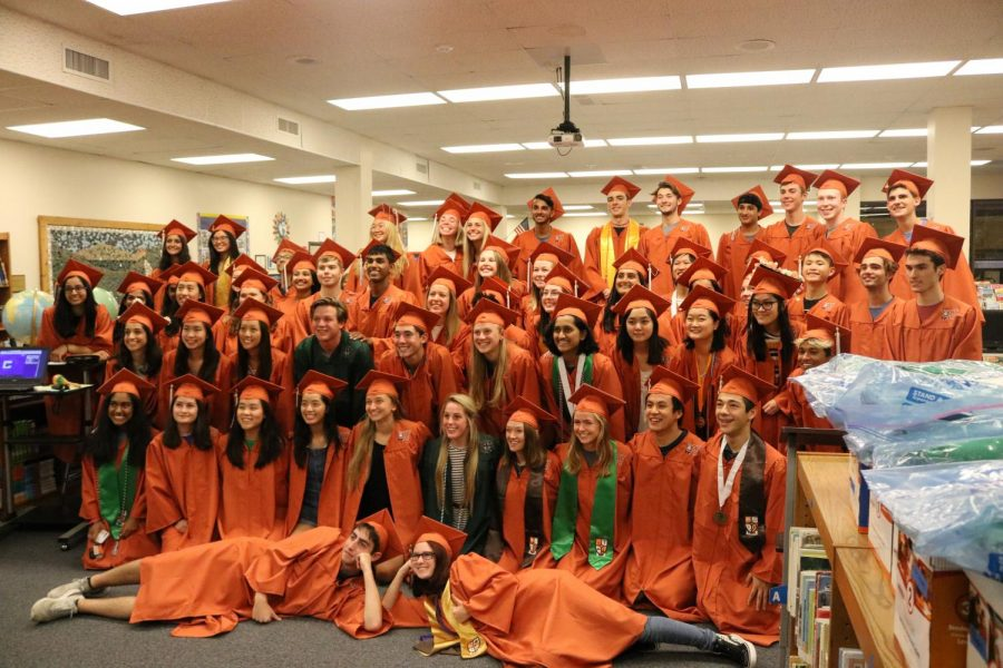 Seniors from Spicewood Elementary School pose for a picture in the library.