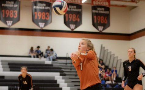 Varsity Volleyball Dominates Hays 3-0