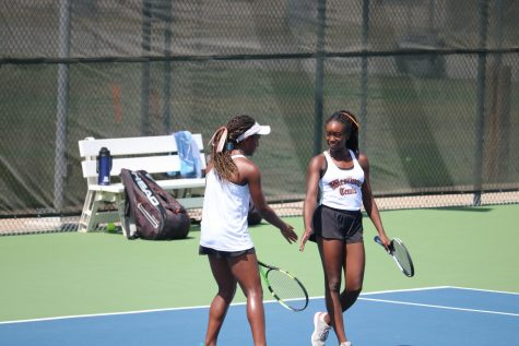 Varsity Tennis Clinches 12-7 Win Against The Woodlands
