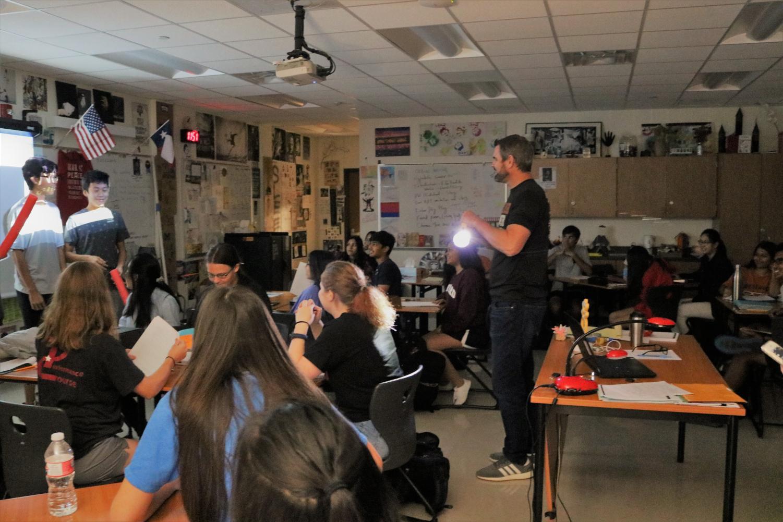 Mr.+Chalk%E2%80%99s+Students+Recreate+%271984%27+Style+Interrogation