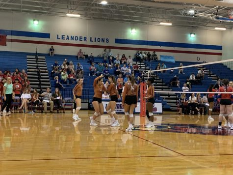 Varsity Volleyball Overcomes Leander in Five-Set Thriller