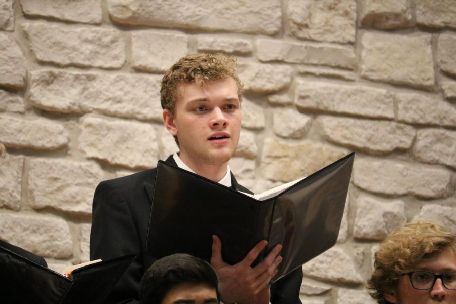 Maxfield Segrest '20 is singing with the Chorale choir. Chorale choir performed 'Amor Vittorioso' and 'Away from the Roll of the Sea'.