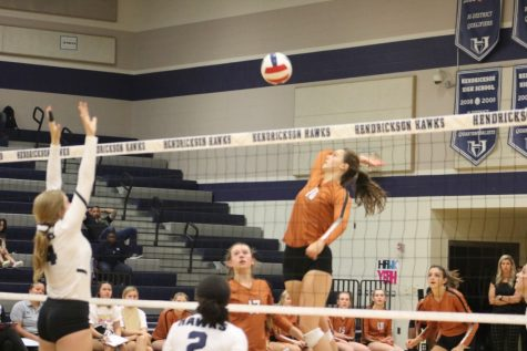 Varsity Volleyball Defeats Hendrickson 3-1