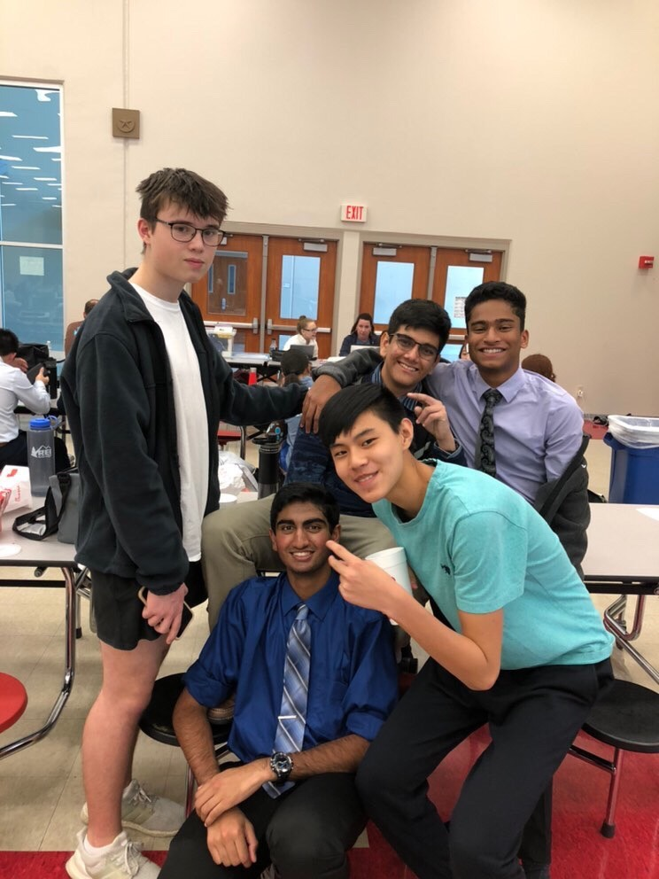 Jeff+Freeman+%2721%2C+Mahir+Kota+%2720%2C+Nathan+Fang+%2722%2C+Rohan+Bajpai+%2722%2C+and+Sidh+Pandit+%2721+take+a+photo+together.+Pandit+and+Sruthi+Ramaswamy+%2720+came+second+place+in+the+Public+Forum+division.