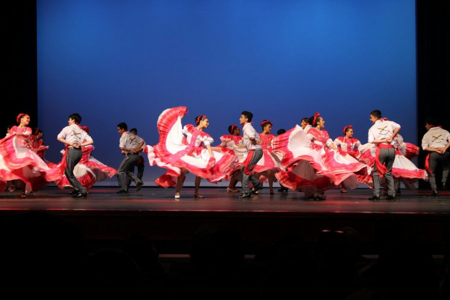 One of the groups dancing Baile Folklorico Mexicano. The guys used machetes, typical Mexican knives.
