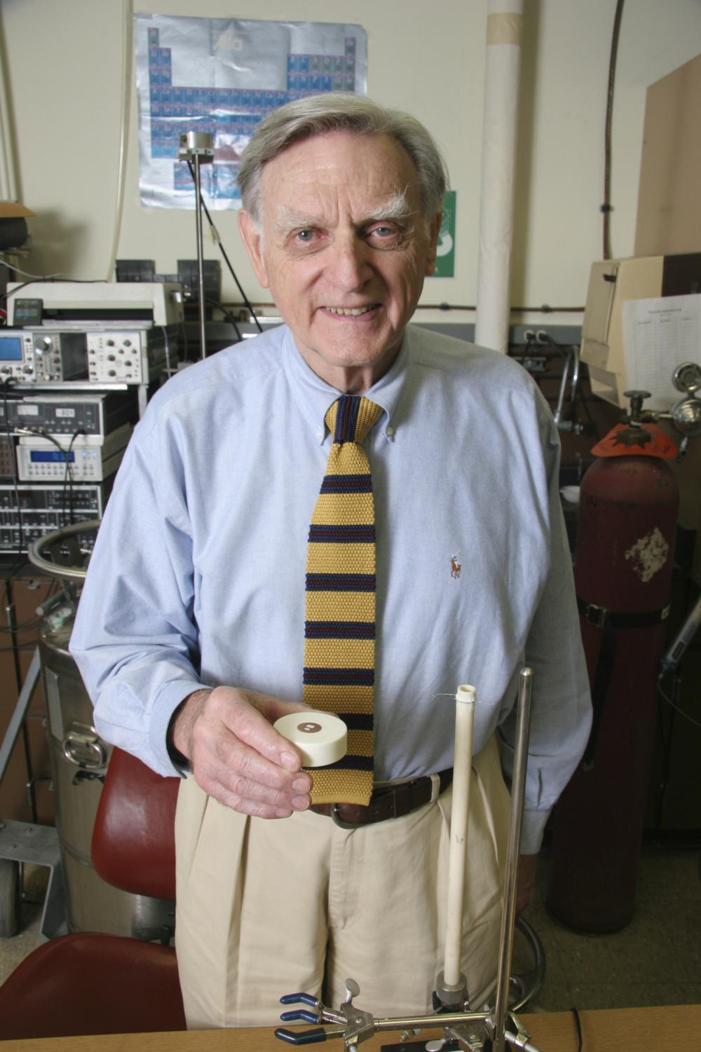 Professor John B. Goodenough displays an experiment. The professor has been working at the University of Texas at Austin since 1986. Photo courtesy of the University of Texas at Austin.