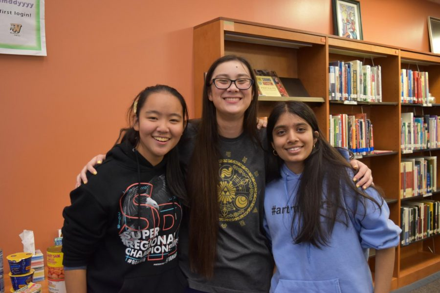 Before the games begin, seniors Erika Yao, Olivia Bowen, and Purva Kantawala take a photo together. Yao and Bowen participated in the tournaments while Kantawala watched.