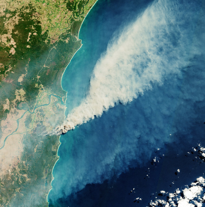 An image from space shows the bush fires in Queensland and New South Wales destroying forests and emitting large amounts of smoke.