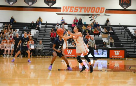 Varsity Girls' Basketball Falls to Hendrickson 53-52