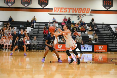 Varsity Girls' Basketball Falls to Hendrickson 53-52