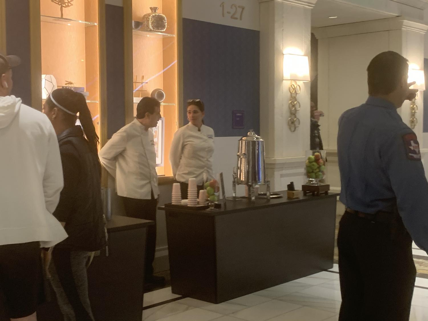 To+complement+the+desserts%2C+customers+were+offered+the+chance+to+get+a+drink+of+Hot+Chocolate+or+Hot+Apple+Cider.++The+drinks+were+free+and+hotel+staff+helped+serve+it.