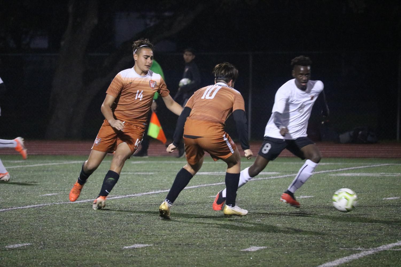 JV+Orange+Boys+Soccer+Defeats+Vista+Ridge+Rangers+1-0