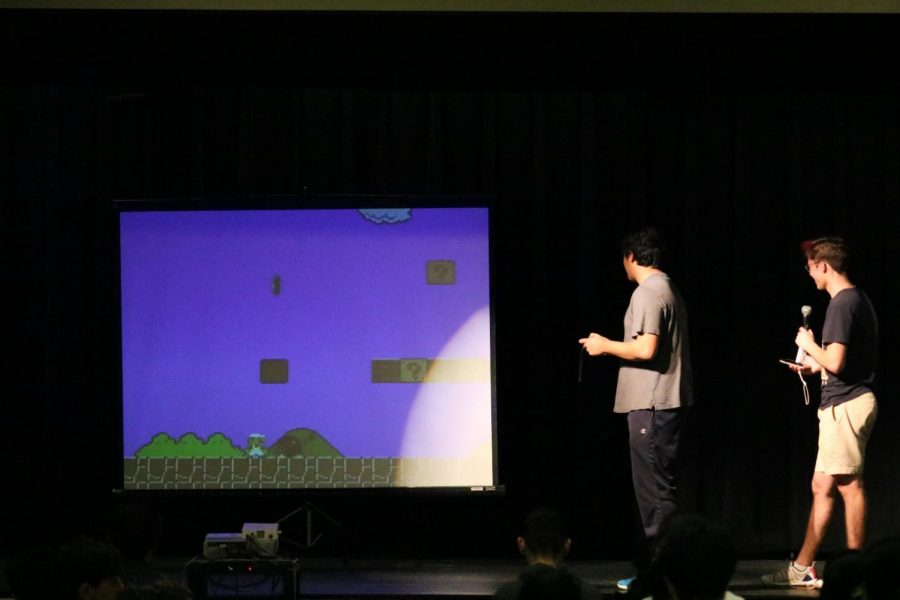 Modern talent shows require modern talents. Lennon Aragon '21 speed plays Super Smash Bros against an audience member.