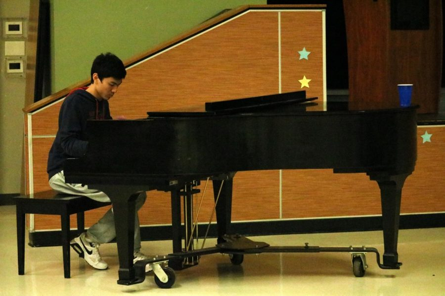 Yi Fan Sun performs a piano instrumental. The piece Sun plays is 'Your Lie In April'.