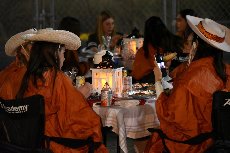 SunDancers+Honor+Seniors+With+Elegant+Dinner