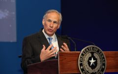 Governor Greg Abbott lifted Texas' mask mandate and opened the state up completely. This move has sparked backlash from many, as the pandemic is still in full swing and his state continues to suffer the results of it. Photo Courtesy of Wikimedia Commons.