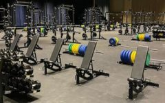 The weight room for the men at the NCAA college basketball tournament was well-stocked and expansive, while for the women it was extremely sparse. The disparity showed even in the food they were served and the goodie bags they got, showing the lack of equality for all genders in the sport. Photo Courtesy of ABC News.