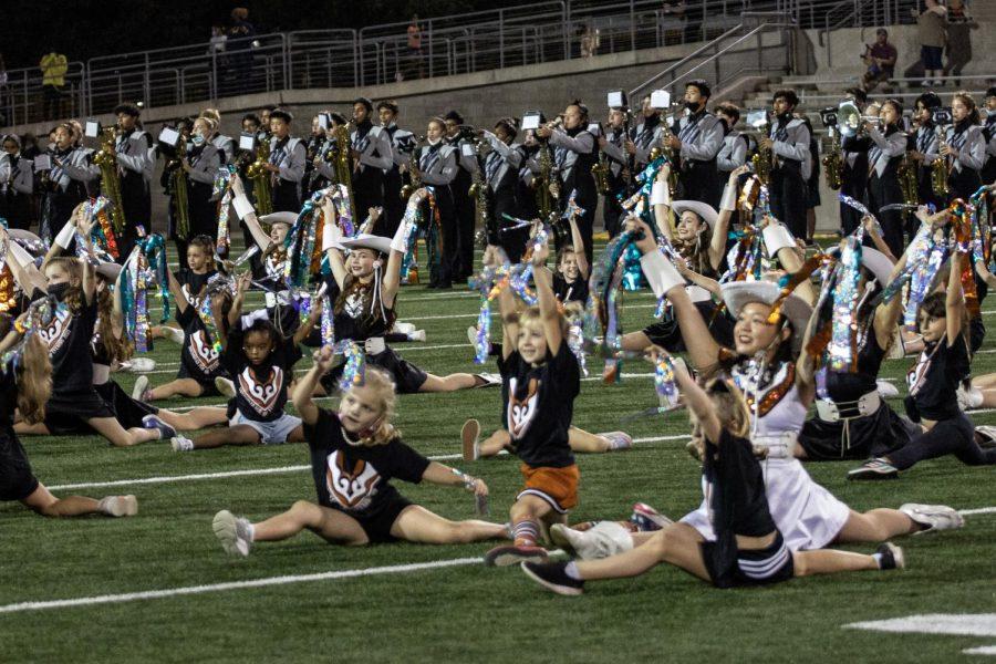 sundancers do the splits w the littles